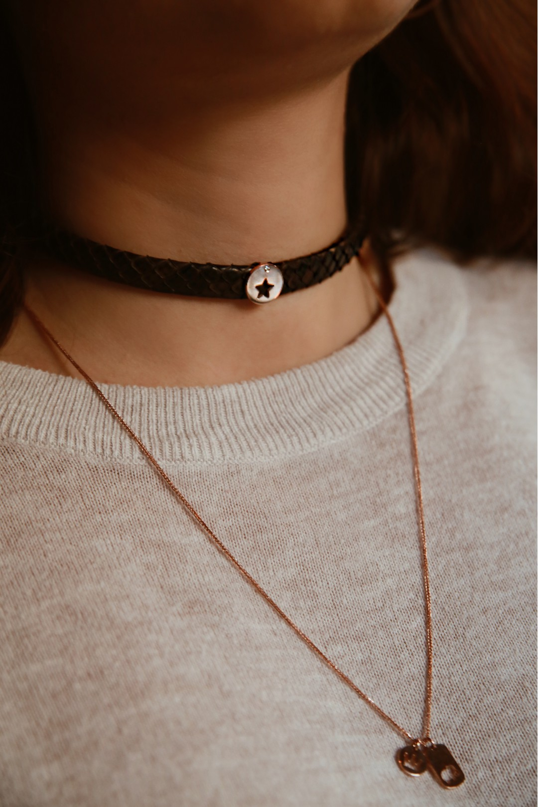 STAR BROWN LEATHER GOLD AND DIAMOND CHOKER NECKLACE